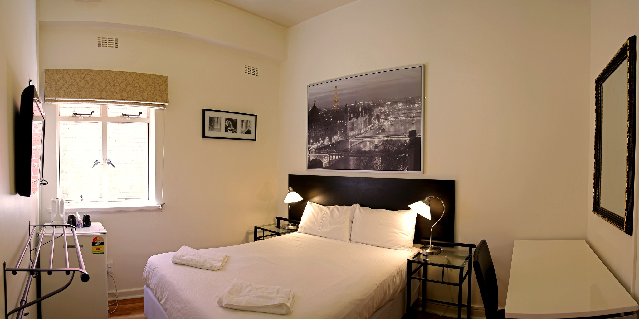 Double Room for 1 or 2 people - click to see an enlarged version of this image