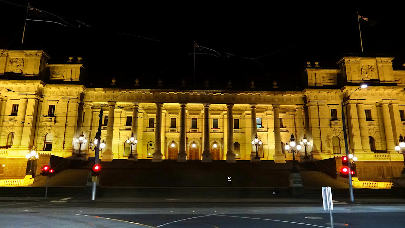 Melbourne Parliament House at night - click to see an enlarged version of this image