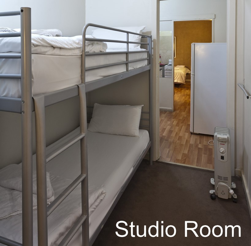 SPECIAL STUDIO SUITE: Bunk-Bed - click to see an enlarged version of this image