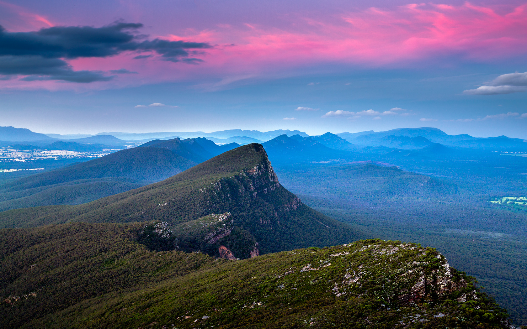 The Grampians - Sunset at Signal Peak - click to see an enlarged version of this image